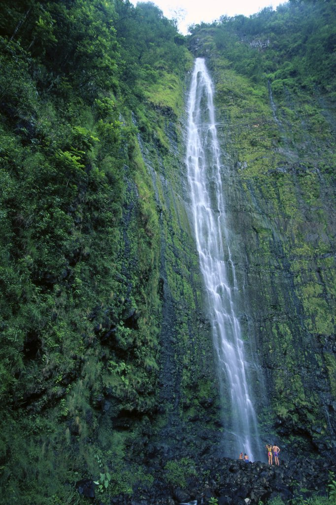 Hawaii, Maui, Hana, People at base of Waimoku Falls, Oheo Gorge B1603 : Stock Photo