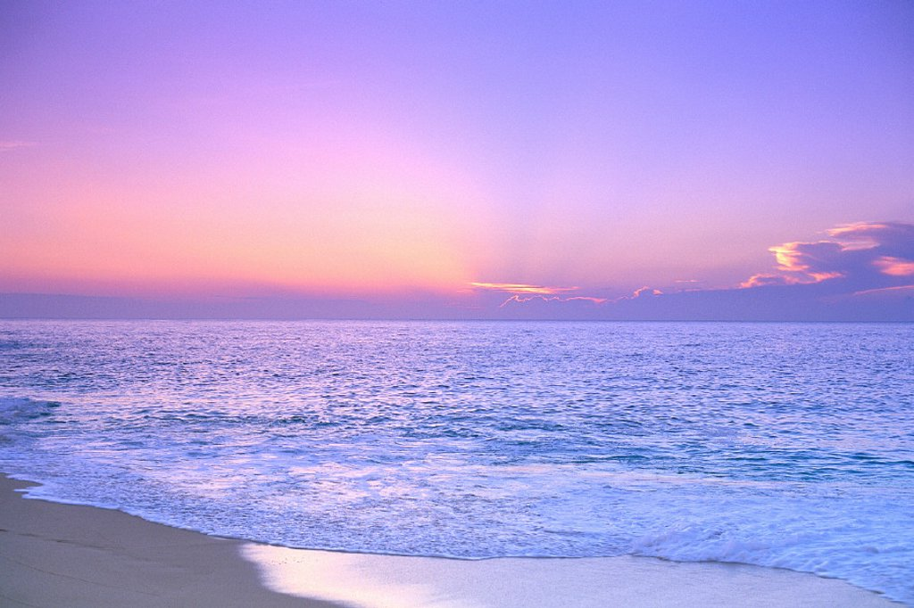 Lavender sky w/ hues of pink and yellow, shoreline water to ocean C1699 : Stock Photo