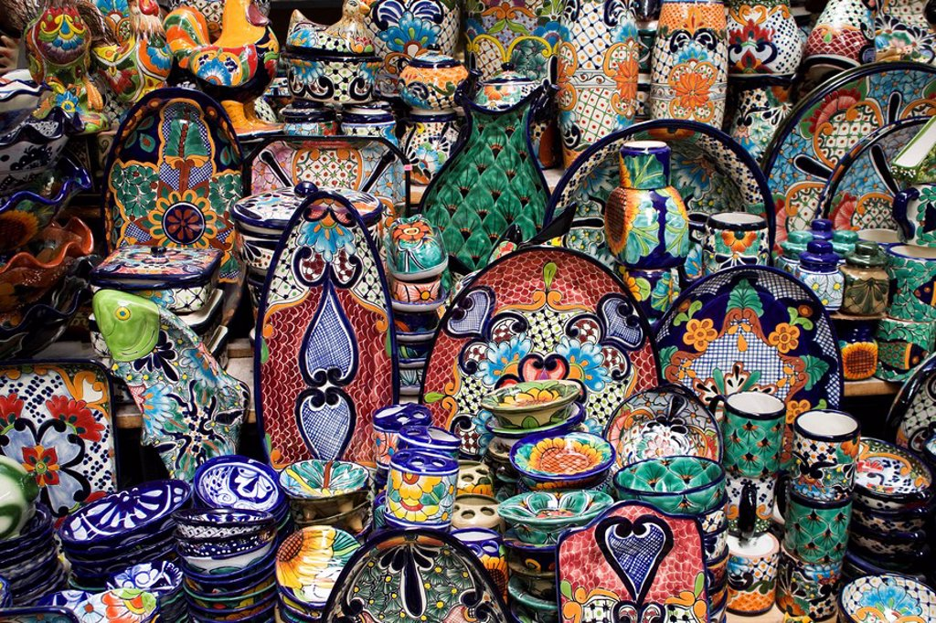 Mexico, Guanajuato, San Miguel de Allende, Display of ceramic items for sale. : Stock Photo