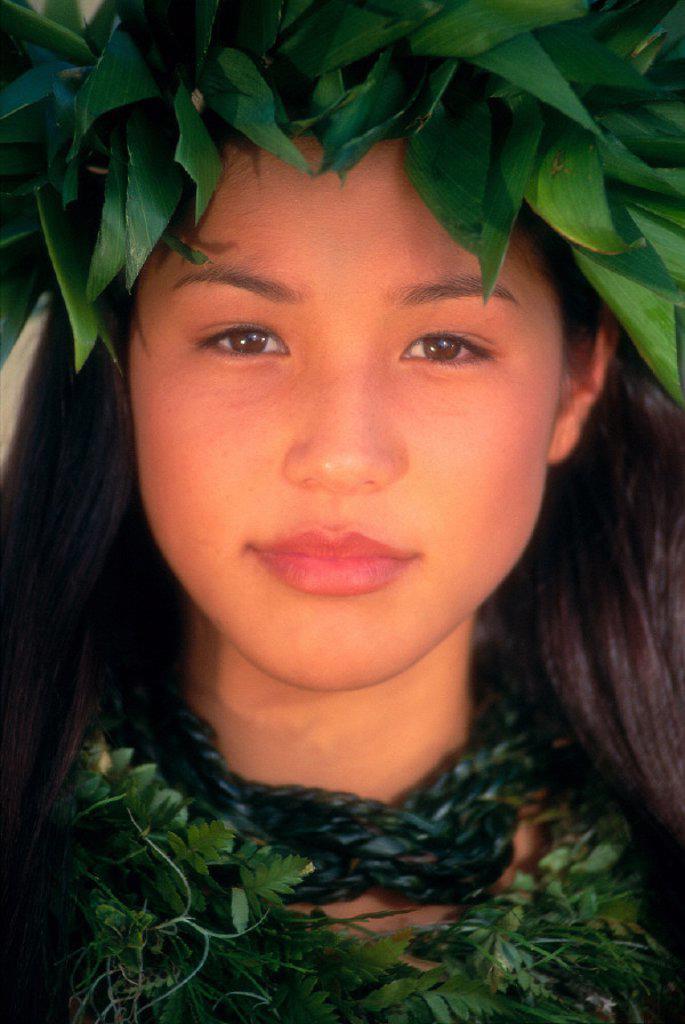 Closeup portrait shot of attractive polynesian girl with green haku C1446 : Stock Photo