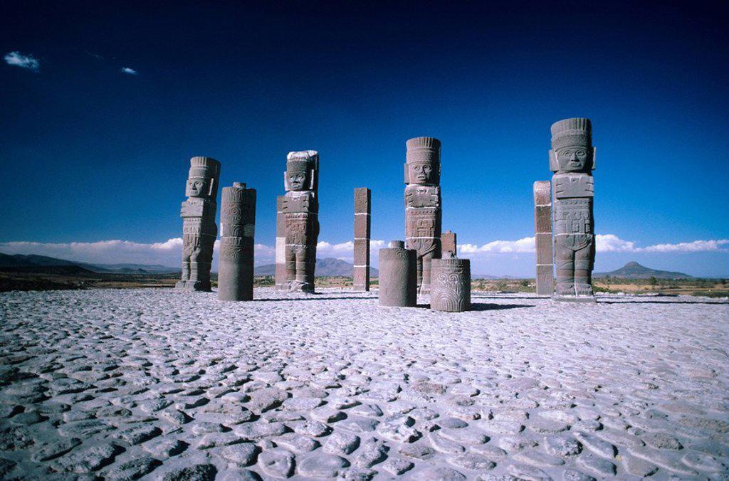 Stock Photo: 1760-7326 Mexico, Tula, Toltec ruins large stone statues