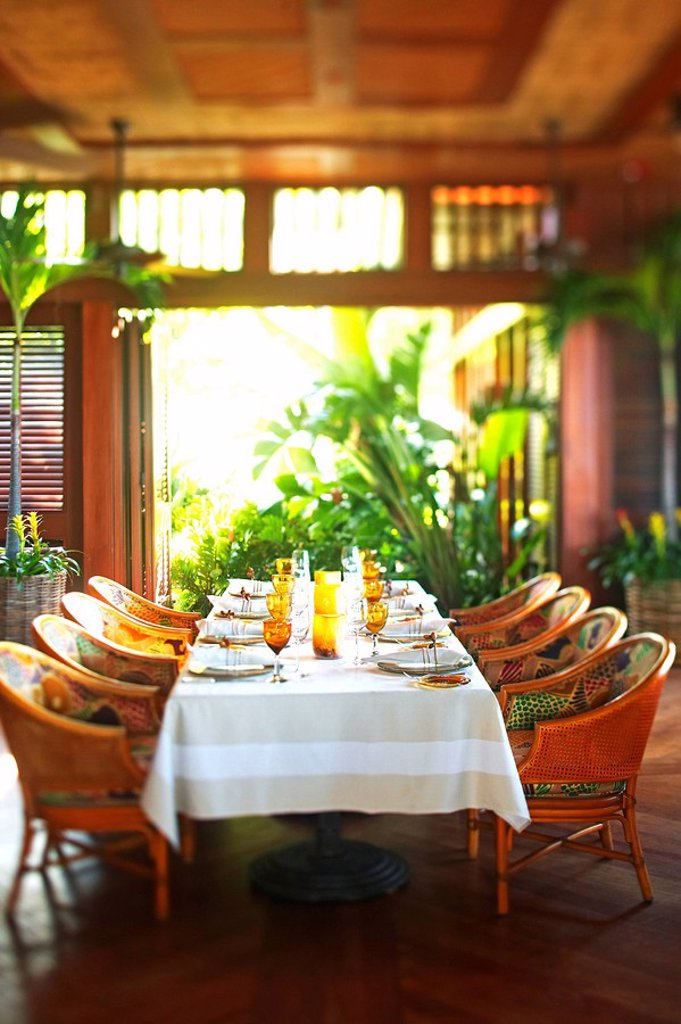 Hawaii, Four Seasons Dining room. : Stock Photo