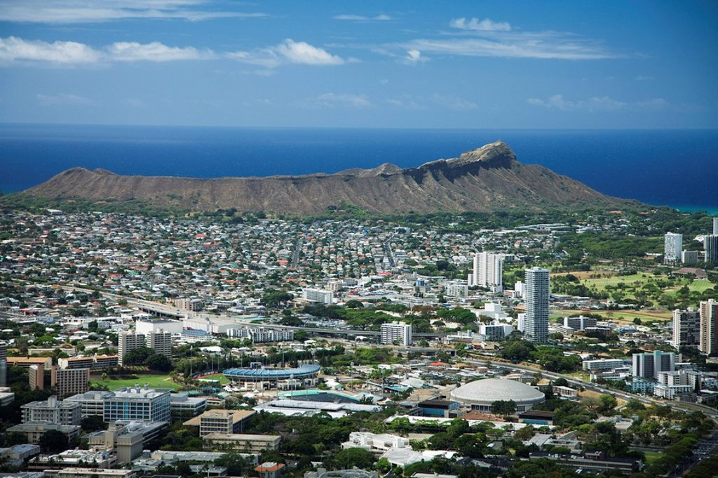 Hawaii, Oahu, Diamond head and Waikiki from Tantalus. : Stock Photo