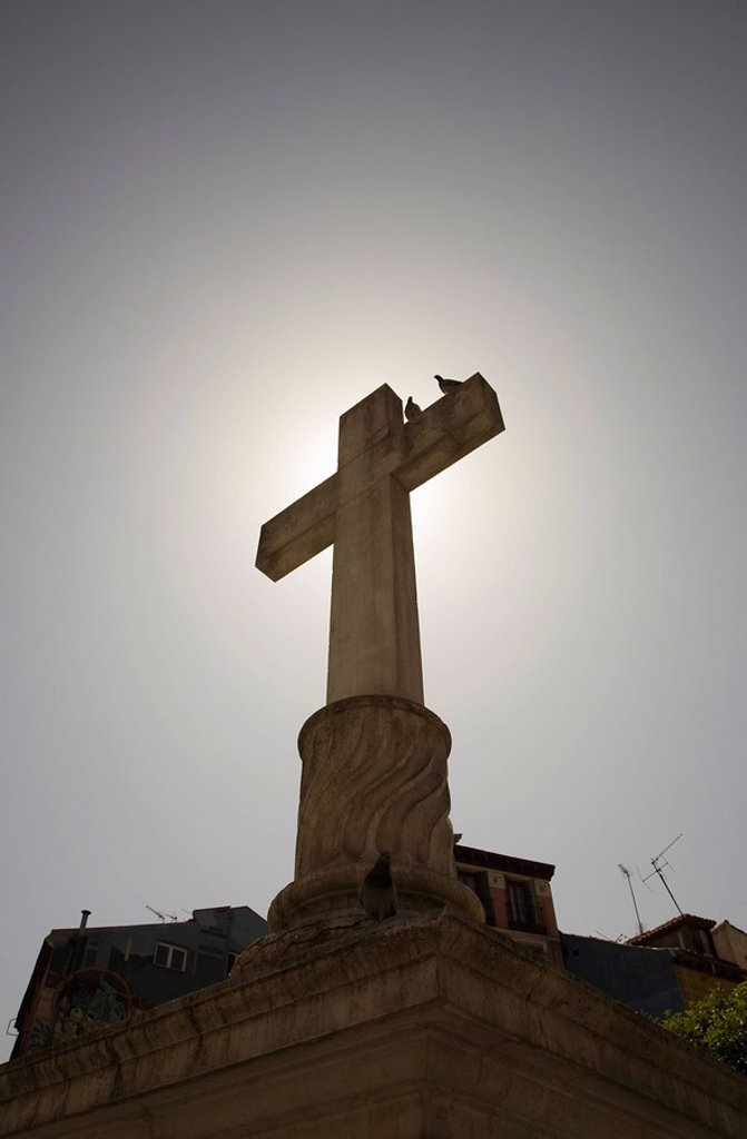 Stock Photo: 1773-24789 Stone crucifix