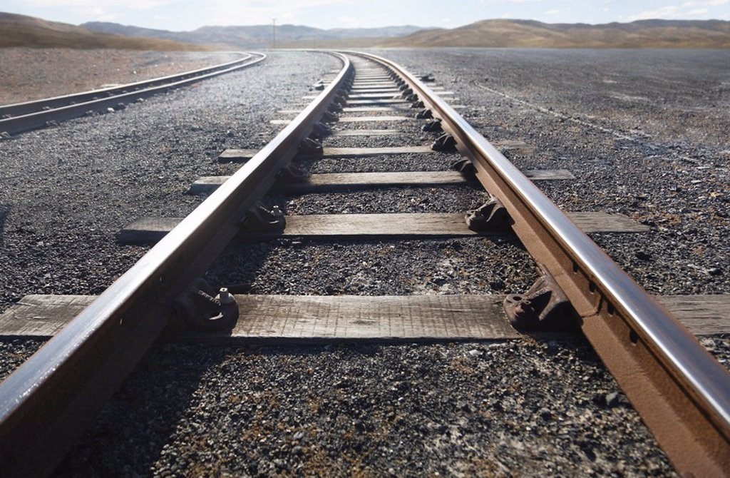Stock Photo: 1773R-123299 Train tracks stretching into distance