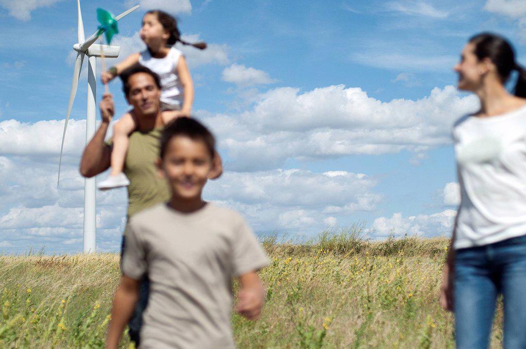Stock Photo: 1773R-138398 Family on a windfarm