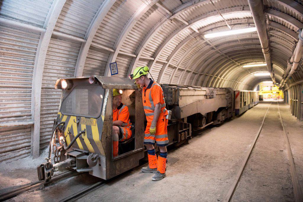 Stock Photo: 1773R-167115 Operators working in coal mine