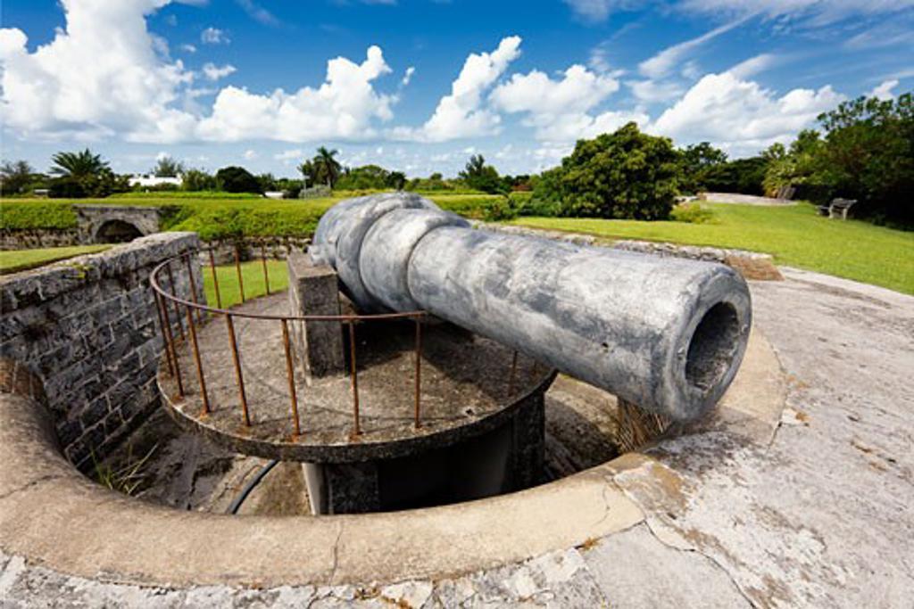 Cannon in a fort, Fort Hamilton, Hamilton, Bermuda : Stock Photo