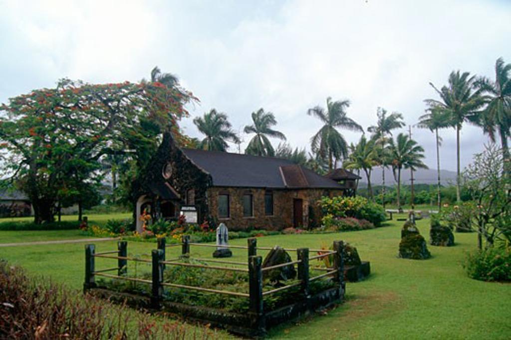 Stock Photo: 1774-226 Church in a garden, Kilauea Point, Kauai, Hawaii, USA