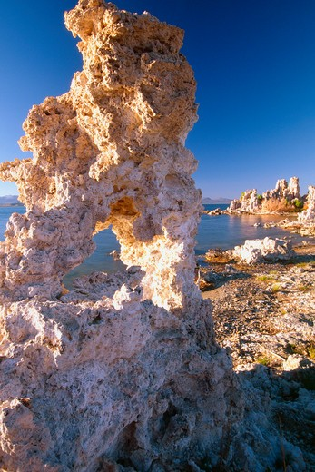 USA, California, Mono Lake, Tufa Tower on Shore : Stock Photo