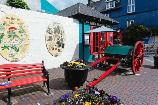 Stock Photo: 1774-710 Ireland, County Cork, Kinsale, Milk Market, Old Milk Cart on Display