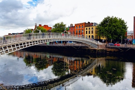 Stock Photo: 1774-775 Republic of Ireland, Dublin, Halfpenny Bridge Over Liffy River