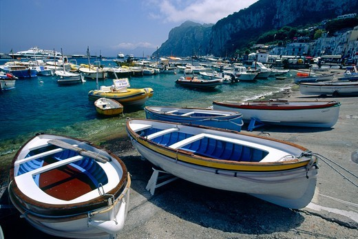 Stock Photo: 1774-820 Italy, Capri, Marina Grande, Boats on shore