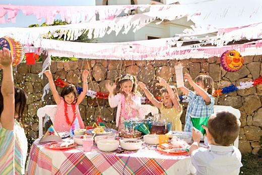 Stock Photo: 1775R-11304 Children at birthday party