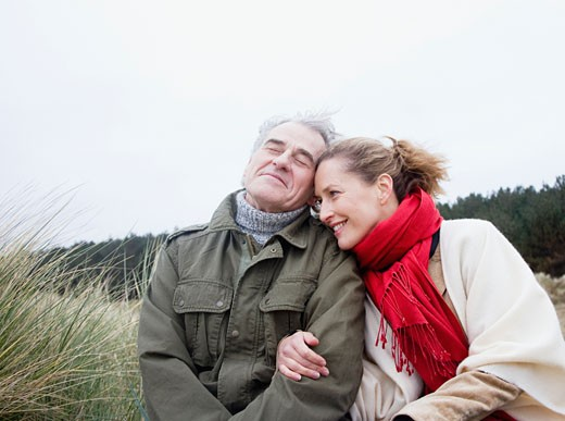 Stock Photo: 1775R-5500 A couple at the beach