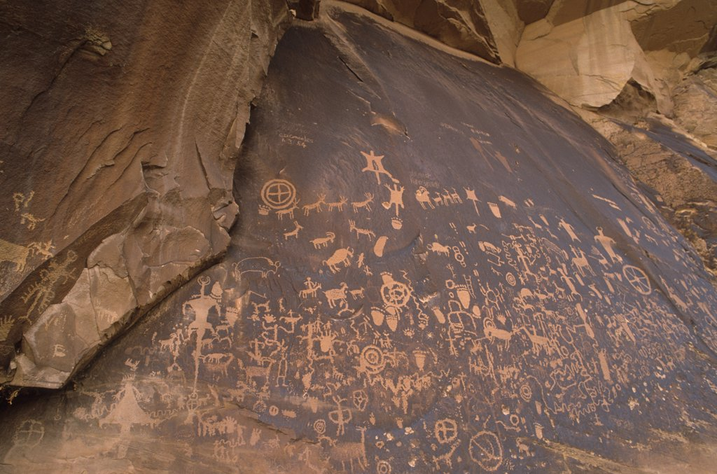 Stock Photo: 1778-11263 Pictographs at Newspaper Rock, Canyonlands National Park, Utah, USA