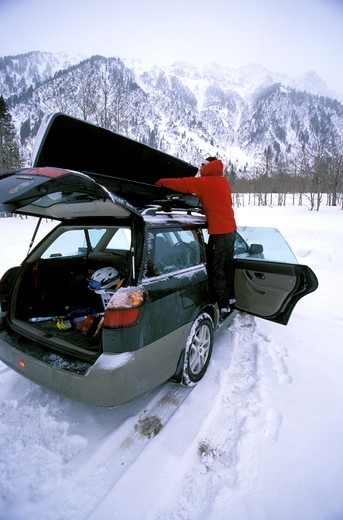 Telemark skier prepping for backcountry expedition in the Wasatch Mountains of Utah : Stock Photo