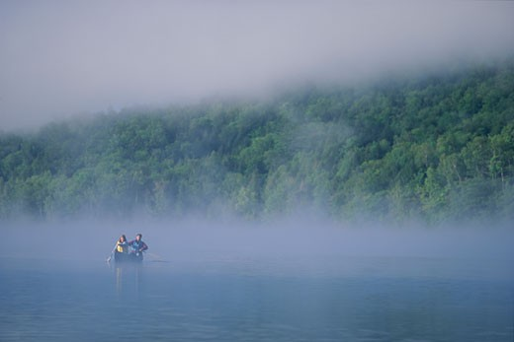 Stock Photo: 1779R-6567 Couple kayaking