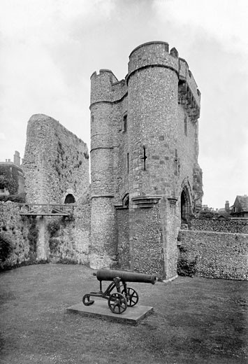 Lewes, Castle, the Barbican 1921 : Stock Photo