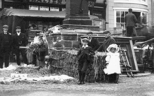 Guisborough, Market Place 1907 : Stock Photo