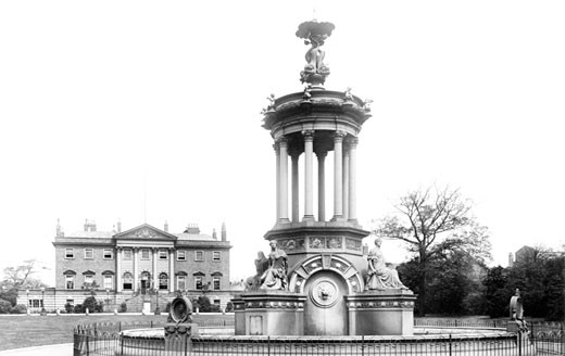 Warrington, Town Hall and Fountain 1901 : Stock Photo
