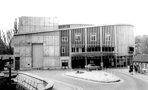 Guildford, Yvonne Arnaud Theatre c1965 : Stock Photo