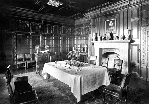 Padstow, Prideaux Place, the Oak Room 1888 : Stock Photo