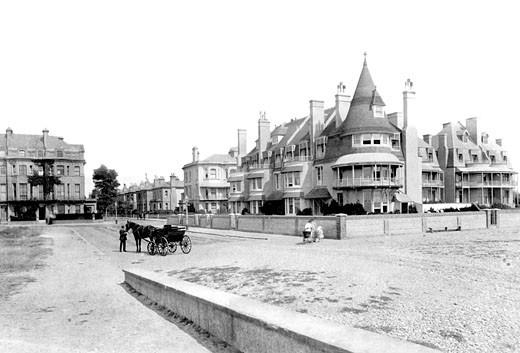 Worthing, Esplanade, East End 1890 : Stock Photo