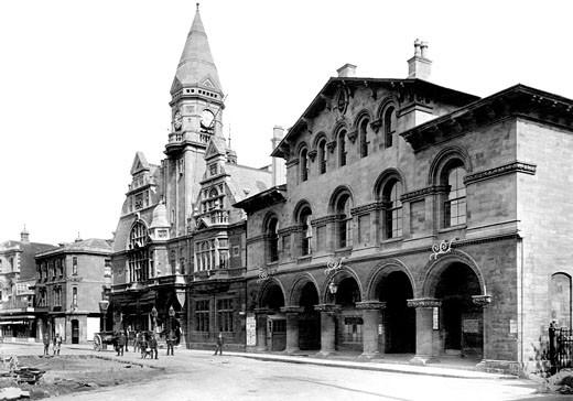 Trowbridge, Town Hall and Market House 1907 : Stock Photo