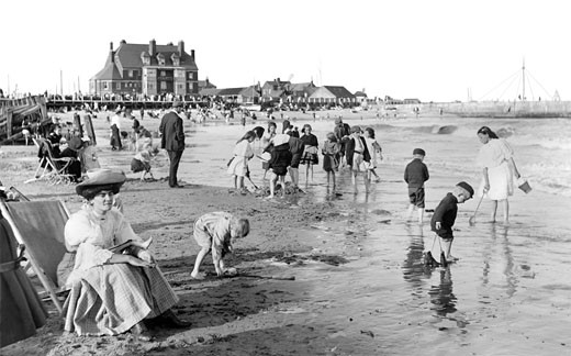 Gorleston, Children's Corner 1908 : Stock Photo