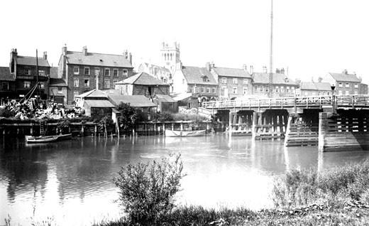 Selby, Old Toll Bridge 1918 : Stock Photo