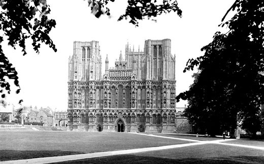 Wells, Cathedral, west front 1923 : Stock Photo