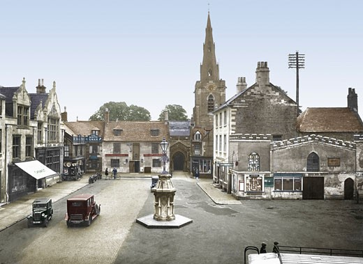 Uppingham, Market Place and Church 1932 : Stock Photo