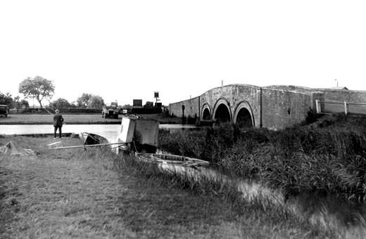 Acle, the Bridge c1929 : Stock Photo