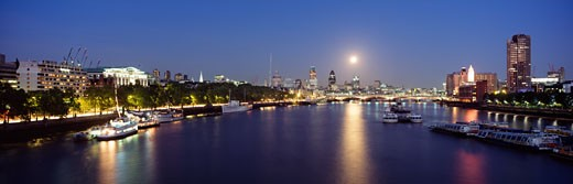 Stock Photo: 1783-17131 Looking down the Thames at dusk , London, England