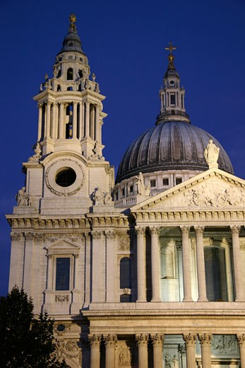 St Paul's Cathedral at dusk, Exterior, London, England : Stock Photo