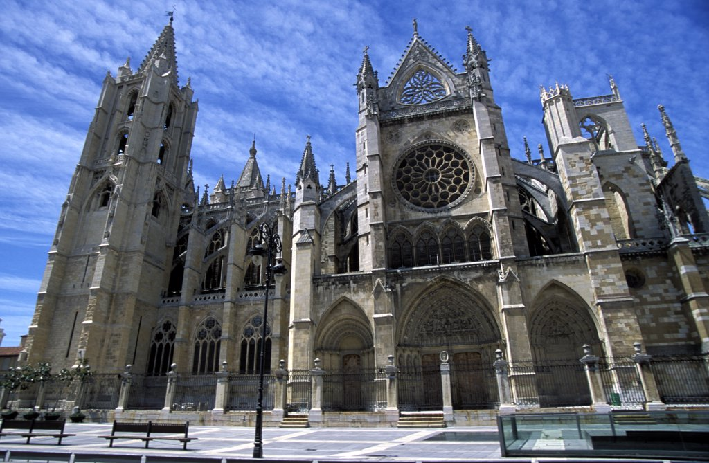 Stock Photo: 1783-20407 South facade of Leon White Gothic Cathedral, Leon, Spain