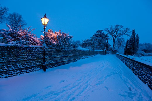Street covered with fresh snow, Lewes, East Sussex, England. : Stock Photo