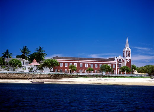 Palace and chapel of Sao Paulo as seen from the sea, Ilha de Mocambique, Mozambique. : Stock Photo