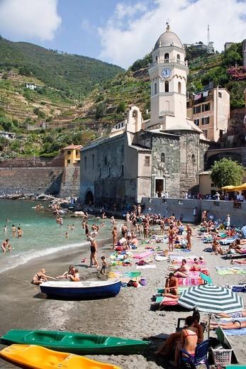 Beach In Vernazza, Vernazza, Cinque Terra. Liguria, Italy. Beach In Vernazza : Stock Photo