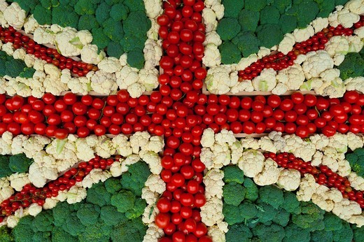 Broccoli, cauliflowers & tomatoes laid out in shape of Union Jack flag at village fete England. Broccoli, cauliflowers & tomatoes laid out in shape of Union Jack flag at village fete : Stock Photo