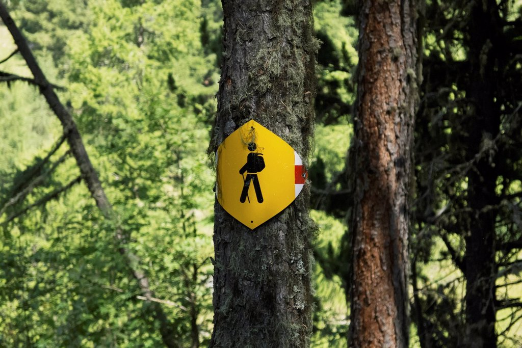 Stock Photo: 1783-34786 Switzerland, Val d'Anniviers, Hiking sign; Zinal