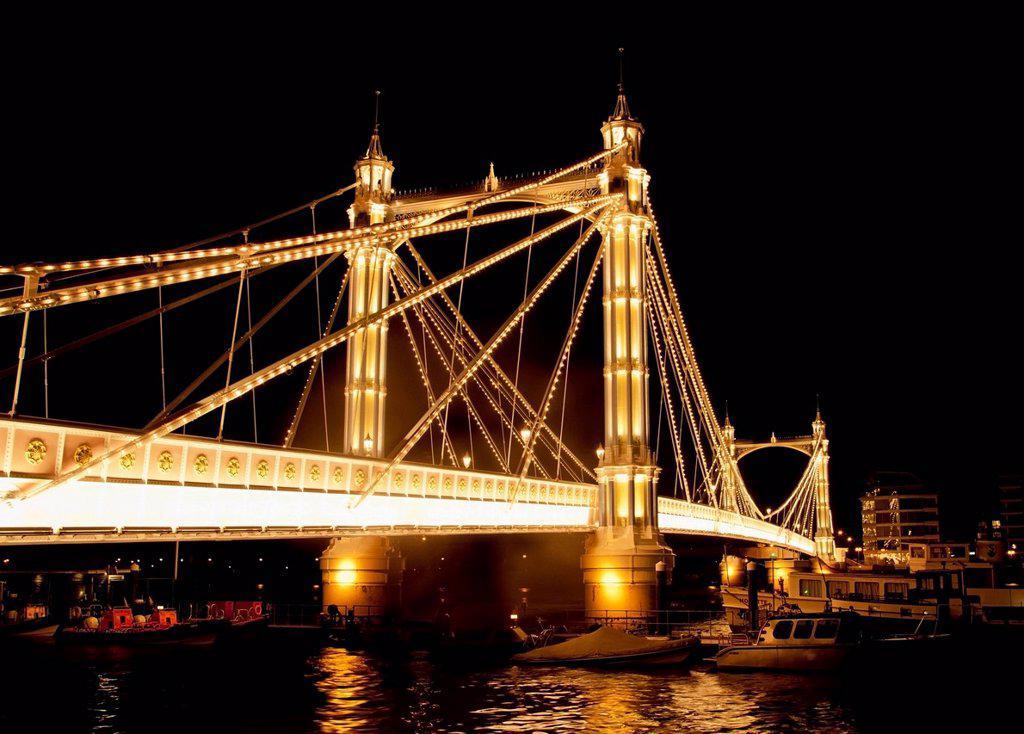 Stock Photo: 1783-35232 Uk, England, Albert Bridge At Night; London