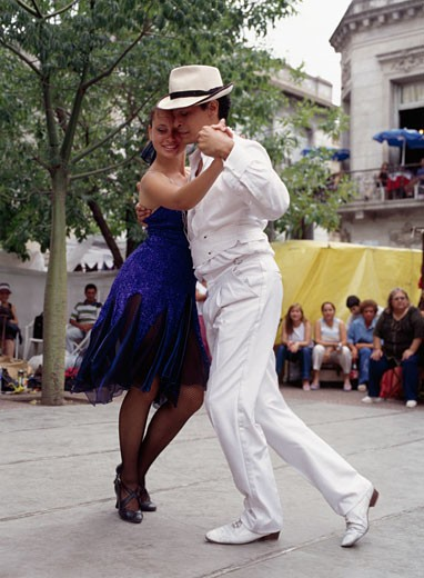 Tango Couple, Plaza Dorrego,  Buenos Aires, Argentina : Stock Photo