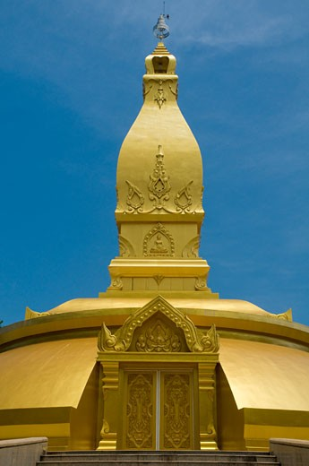 Golden painted stupa containing ashes of Ajarn Cha, at Wat Nong Pa Pong,  Ubon Ratchathani, Isan, Thailand : Stock Photo