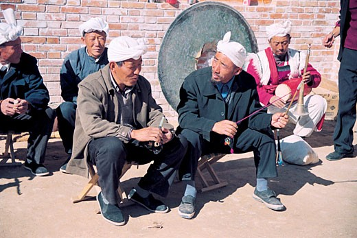 Stock Photo: 1787R-1905 North Shanxi men conversing, Yichuan County, Yan'an City, Shanxi Province, People's Republic of China,