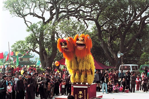 Jinjiang peaceful acrobatics lion dance team at the mountain temple fair, Beichen Mountain, Tongan County, Fujian Province of People's Republic of China, : Stock Photo