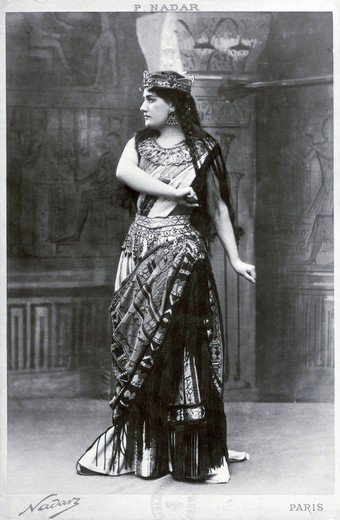 France, Paris, The French soprano Agnes Borgo (1879-1958) as Aida in the opera by Giuseppe Verdi (1813-1901), performed at Palais Garnier on December 21, 1908, photo by Felix Nadar (1810-1910) : Stock Photo