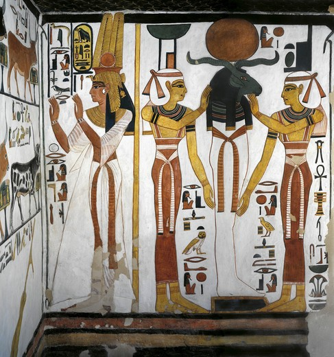 Egypt, Thebes, Luxor, Valley of the Queens, Tomb of Nefertari, Annex to antechamber, Mural paintings, Queen before divine entity representing Osiris resting in Ra in circle of goddesses Isis and Nephthy : Stock Photo