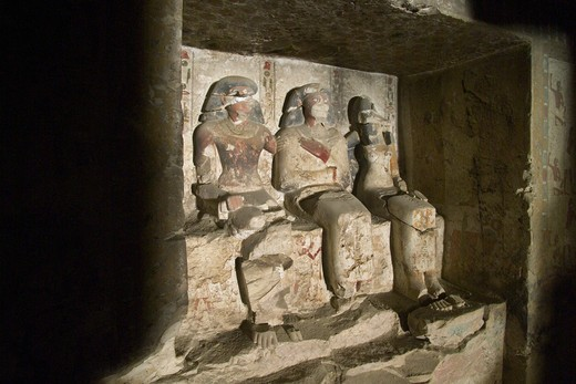 Stock Photo: 1788-10979 Egypt, Thebes, Luxor, Sheikh 'Abd al-Qurna, Tomb of first herald Duaerneheh, sculpture from eighteenth dynasty